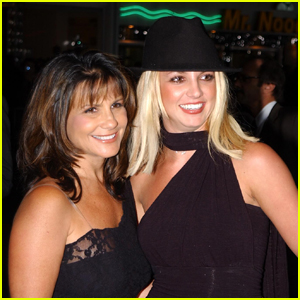Britney Spears' Mom Lynne Dances to 'Toxic' at Gay Bar in Texas