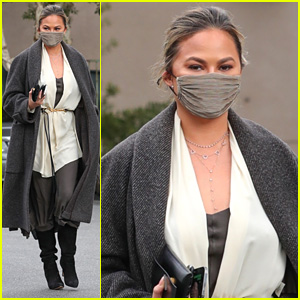 Chrissy Teigen Channels 'Star Wars' In Her Look During Grocery Run