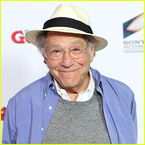 'The Goldbergs' Star George Segal Dies at Age 87