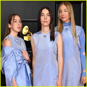 Haim Coordinates in Blue Before Their Grammys 2021 Performance