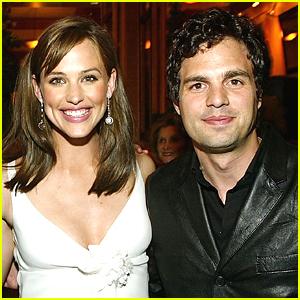Jennifer Garner Calls Reuniting With Mark Ruffalo 'Wonderful'