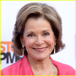Celebrities Pay Tribute to Jessica Walter After Her Death - Read the Tweets