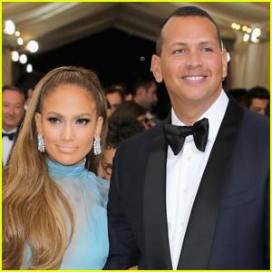 Jennifer Lopez & Alex Rodriguez Pack on the PDA Amid Relationship Drama