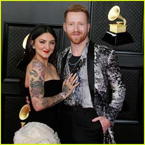 Julia Michaels & JP Saxe Celebrate Their Grammy Nom on the Red Carpet