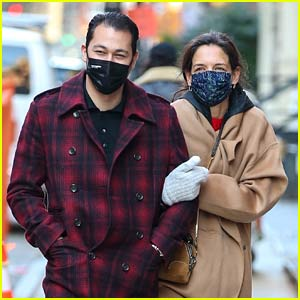 Katie Holmes & Emilio Vitolo Jr. Run Into a Friend During Monday Afternoon Stroll