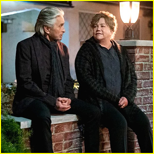 Michael Douglas & Kathleen Turner Reunite In First Look Pics For 'Kominsky Method's Final Season on Netflix