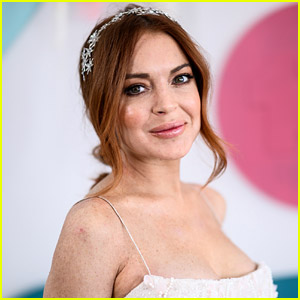 Lindsay Lohan Talks NFT Craze, Explains Why She's Involved in Cryptocurrency