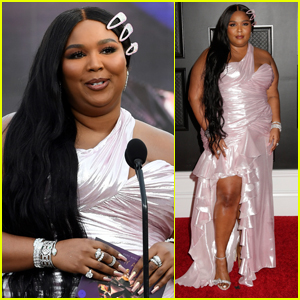 Lizzo Changes Into Second Dress to Present at Grammys 2021