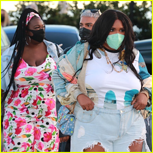 Lizzo Rocks Ripped Jeans & Grabs Dinner With Mom Shari in LA