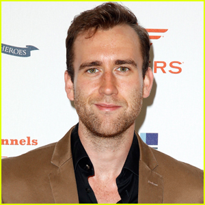 Matthew Lewis Goes Viral After Sharing Photo Wearing Skin-Tight Outfit!
