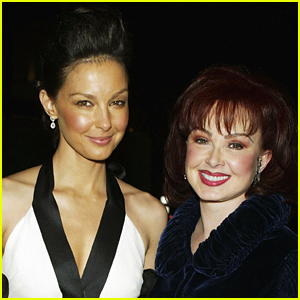 Ashley Judd's Mom Naomi Judd Gives Update on Her Condition After Leg-Shattering Accident
