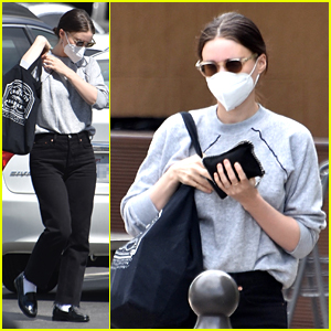 Rooney Mara Goes Casual For Grocery Run in Los Angeles
