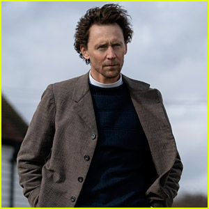Tom Hiddleston Joins Apple's 'Essex Serpent' - See First Look Photo!