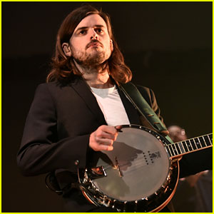 Mumford & Sons' Winston Marshall Apologizes for Controversial Tweet, Is Taking Time Away From Band