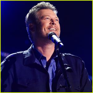 Blake Shelton Performs His 20-Year-Old Song 'Austin' at ACM Awards 2021