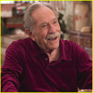 'The Goldbergs' Pays Tribute To George Segal After His Final Episode Airs