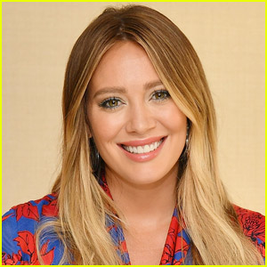 Hilary Duff Explains Why She Decided to Take on the Starring Role in 'How I Met Your Father'