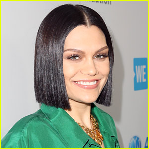 Jessie J Strips Down to Nothing in Sexy New Snap!