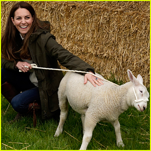 Kate Middleton & Prince William Enjoy a Day at a Farm Petting Animals & Driving Tractors!