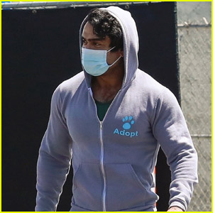 Kumail Nanjiani Covers Up His Muscles During Latest Workout
