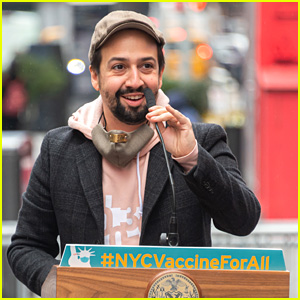 Lin-Manuel Miranda Helps Open COVID-19 Vaccination Center on Broadway