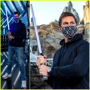 Tom Brady Becomes a Jedi During a Family Trip to Disney World!