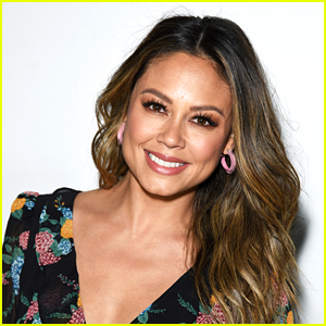 'NCIS' Casts Vanessa Lachey & Two Others For 'Hawaii' Spinoff