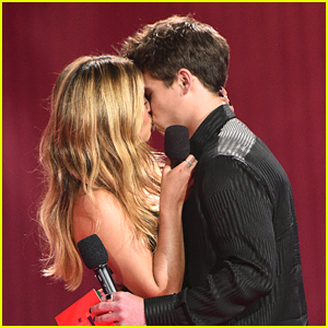 Addison Rae & Tanner Buchanan Share A Kiss While Presenting Best Kiss at MTV Movie & TV Awards 2021