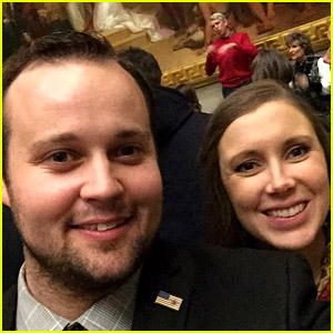 Source Reveals If Josh Duggar's Wife If Standing By Him Amid Child Pornography Charges