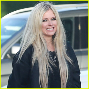 Avril Lavigne is All Smiles After Grabbing Lunch with Friends
