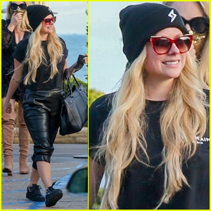 Avril Lavigne Rocks Leather Pants for Lunch with Friends