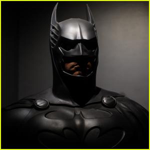 'Batgirl' Movie Finds Its Directors!