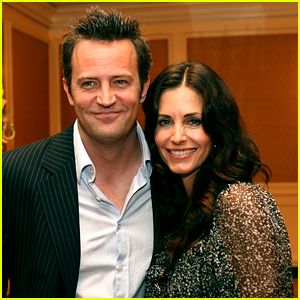'Friends' Stars Courteney Cox & Matthew Perry Just Learned They're Related!