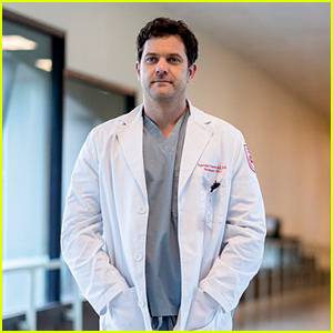 Peacock Debuts First Look at Joshua Jackson as a Killer Doctor in 'Dr. Death' Series