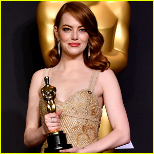 Emma Stone Has One Memory From Winning Her Oscar in 2017 (& It All Has to Do with Another A-List Star!)