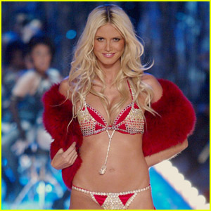 Heidi Klum Makes Surprising Reveal About Her Victoria's Secret Fashion Show 2003 Appearance