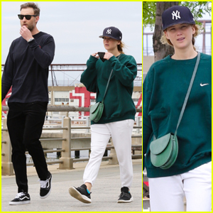 Jennifer Lawrence Rocks a Yankees Hat On a Walk with Hubby Cooke Maroney in NYC