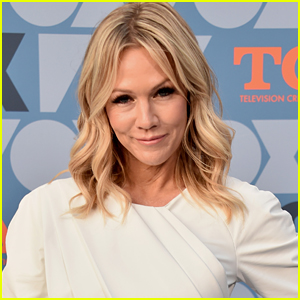 Jennie Garth Says She Learned How To Be Competitive With Other Girls From Her '90210' Days