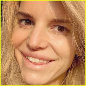 Jessica Simpson Shares a Makeup-Free Selfie: 'Sunny Kinda Mornin'