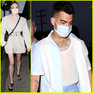 Sophie Turner Dines Out With Joe, Nick & Kevin Jonas For Friday Night Dinner