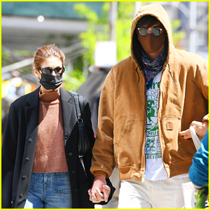 Kaia Gerber & Jacob Elordi Hold Hands as They Enjoy Spring in New York City