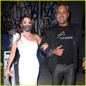 'Real Housewives' Star Kyle Richards & Husband Mauricio Umansky Enjoy a Dinner Date