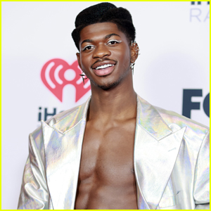 Lil Nas X Shows Off His Abs on the Red Carpet at iHeartRadio Music Awards 2021
