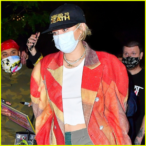 Miley Cyrus Is Red Hot While Arriving Back At Her Hotel After 'SNL' Rehearsals