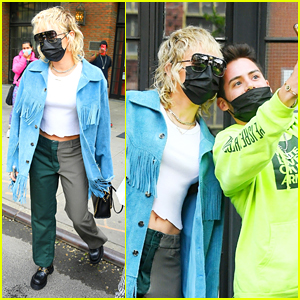Miley Cyrus Rocks Two Tone Pants On Her Way To 'SNL' Rehearsals