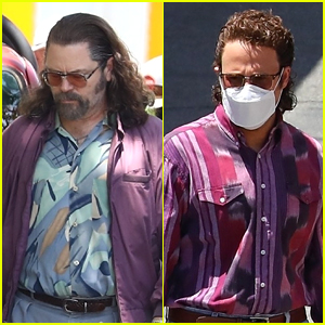 Nick Offerman & Seth Rogen Are Sporting Super Cool 90s Fashion On The Set of 'Pam & Tommy'