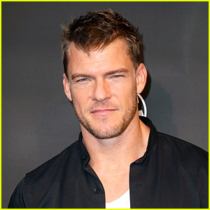 Alan Ritchson Flaunts Ripped Physique Amid 'Jack Reacher' Filming!