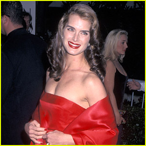 Brooke Shields' Daughter Wore Her 1998 Golden Globes Dress to Prom in 2021!