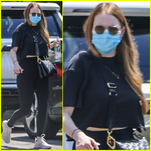 Emma Stone Sports All-Black Outfit for Morning Workout