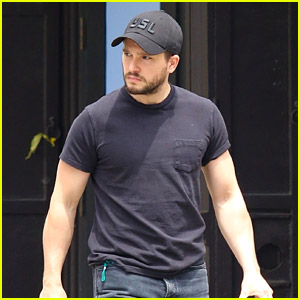 Kit Harington Spotted in New York While Wife Rose Leslie Films New Series There!